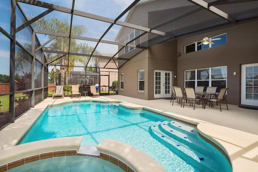 West-facing private pool and spa with luxury patio furniture & barbecue grill area