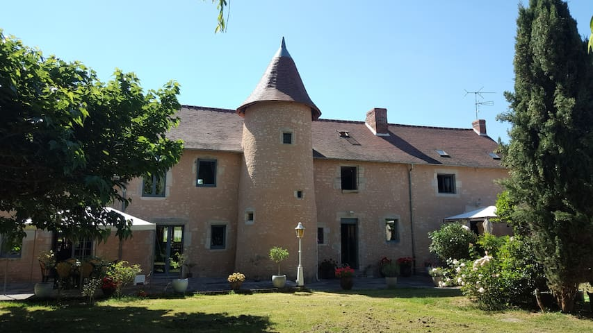 Manoir de La Presle - Bellenaves - Szoba reggelivel