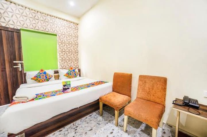 Deluxe Room Hotel Aakarshan Paradise