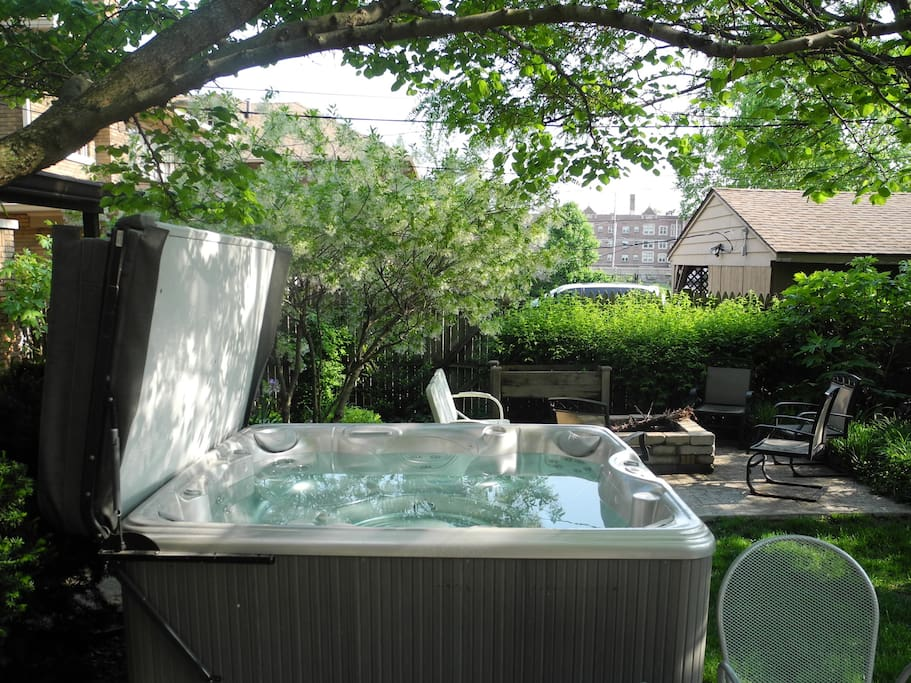 Garden escape hot tub