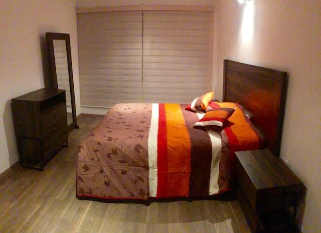 Habitación en casa en fraccionamiento privado