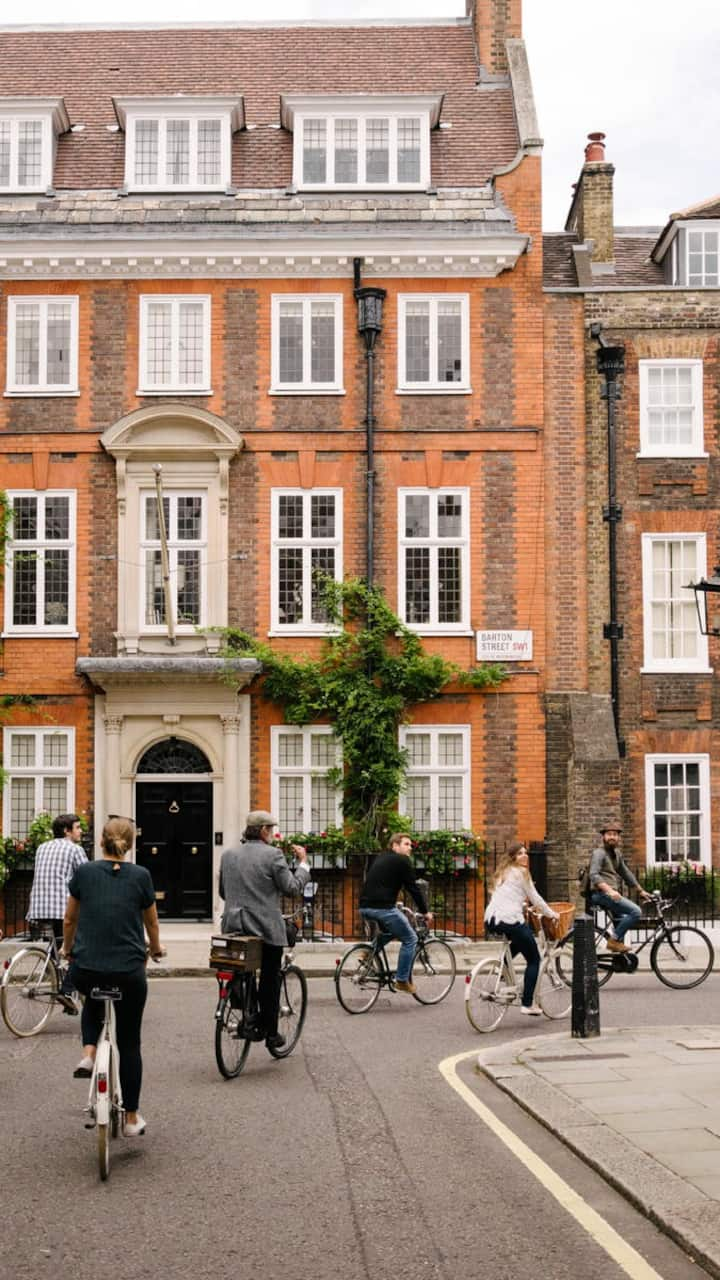 Explore the cute streets of Westminster