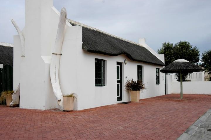 Arniston Seaside Cottage 6