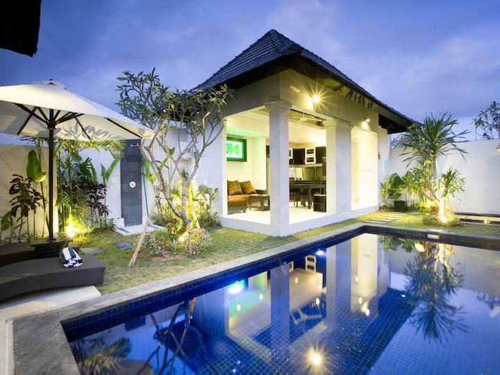 Blue Marlin private 1br Villa,  swim.pool &jacuzzi