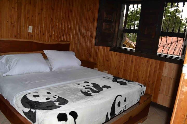 Room 3 Villa Campestre Santa Elena (pet friendly)