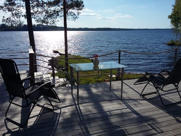 Villa Strawberry with a lake view