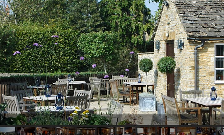 Charming Cotswold Village Pub - Room 3