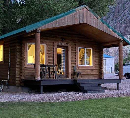 Cozy Log Cabin at Hoovers River Resort