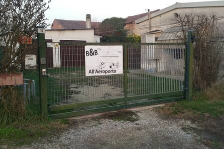 All'Aeroporto B&B - Mantova (località Curtatone)