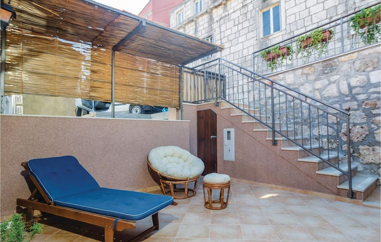 Holiday cottage with 2 bedrooms on 54 m² in Trstenik