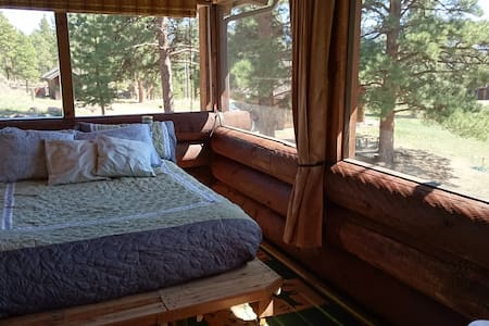 Mountain view sleeping porch  - 헬레나(Helena)