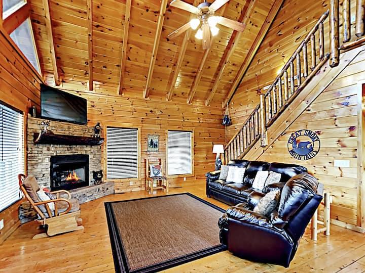 Mountain Hideaway w/ Hot Tub, Fireplace & Theater
