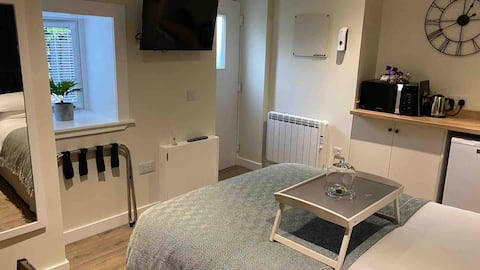 Lower Greenbank Guest Suite *Free Parking*
