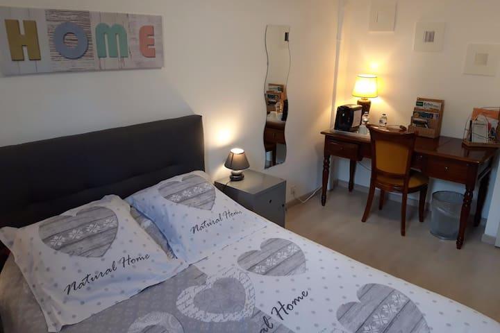 Chambre à POMMIERS en Beaujolais