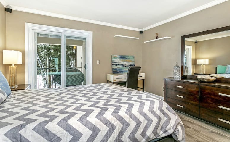 Cozy Room in Condo between Beaver Creek and Vail