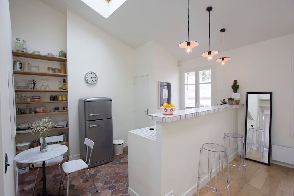 Nid d 39 amour au pied de montmartre appartements louer - Nid rouge lincroyable appartement paris ...