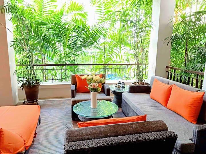 Tropical Modern 2 Bedroom Walk To Beach