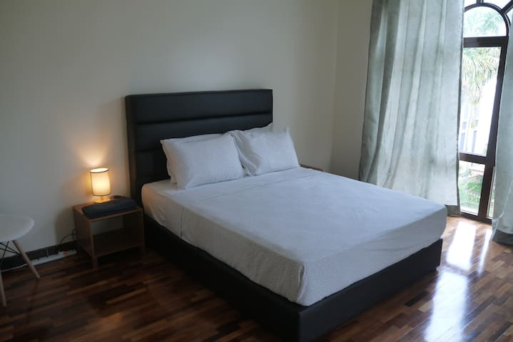 Top floor suite in spacious house. 100 mbps net