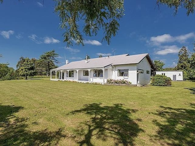 Benjamin House - Ohau Holiday Home