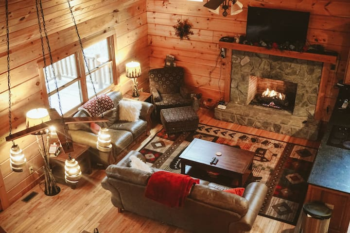 Cozy Cabin in Heart of the Blue Ridge Mountains - Boone - 小木屋