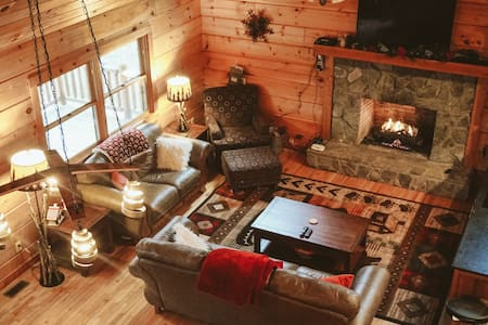 Cozy Cabin in Heart of the Blue Ridge Mountains - Boone - Cabana