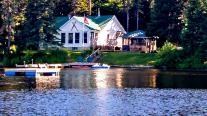 Lakefront Cottage Charm with Modern Comfort