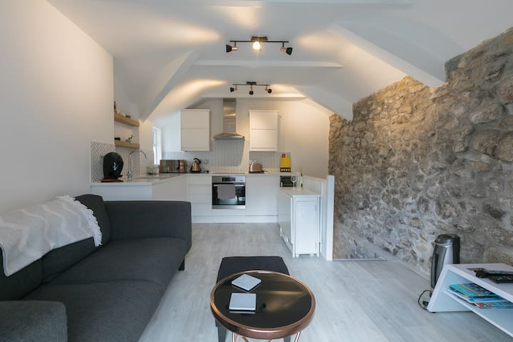 The Nook, Mousehole
