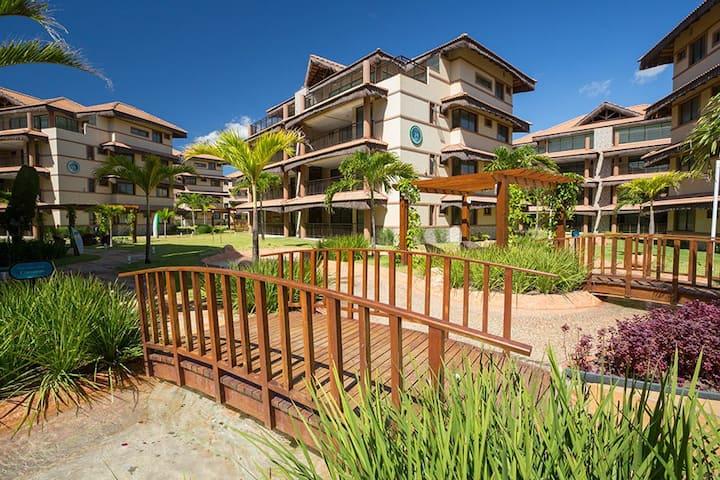 Venha relaxar neste resort, com sol, praia e luar