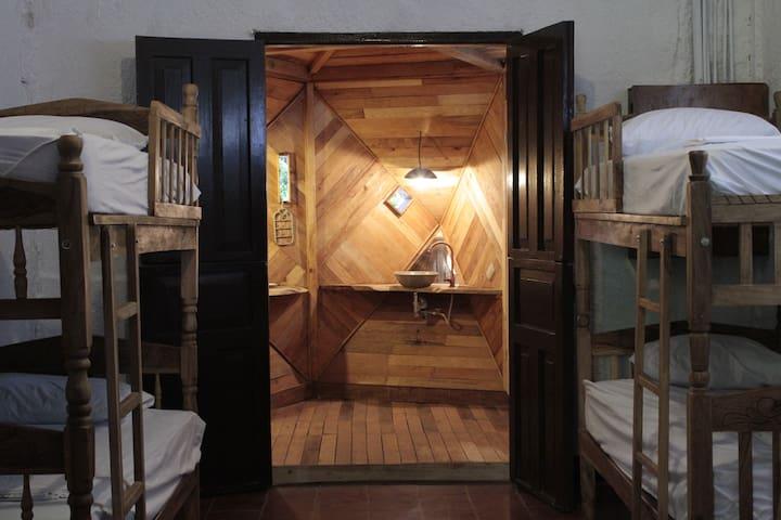 Caracolito (dorms).