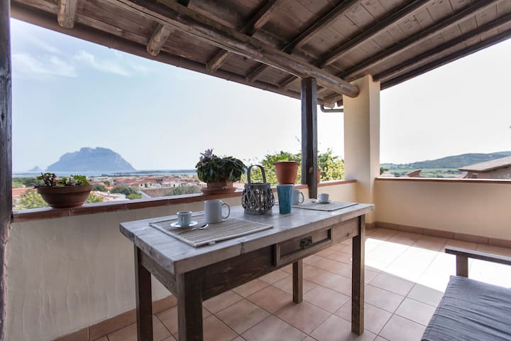 Splendida vista su Tavolara - Porto San Paolo - Huis