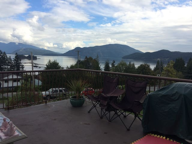Beautiful views in comfort - Gibsons - Hus