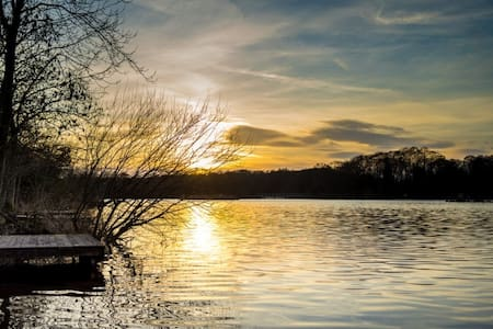 Luxury LakeHouse in the Heart of Warwickshire