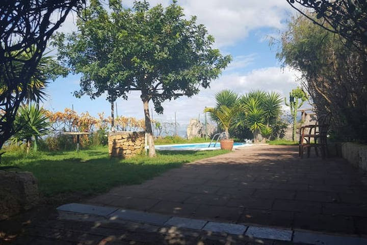 Casa Canaria con Piscina - Los Realejos - Talo