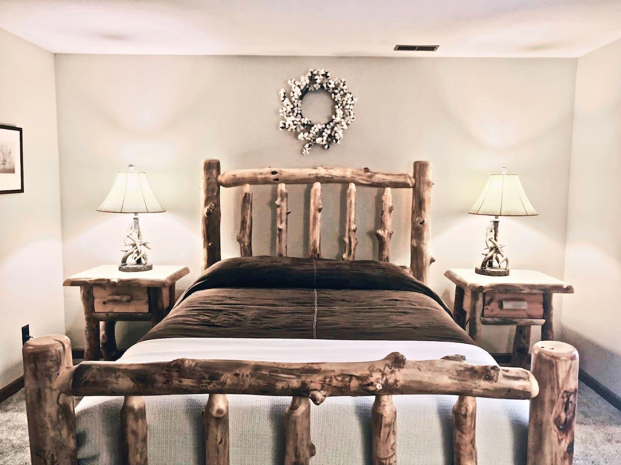 Rustic / Modern Decor - Bedroom #1 / Queen