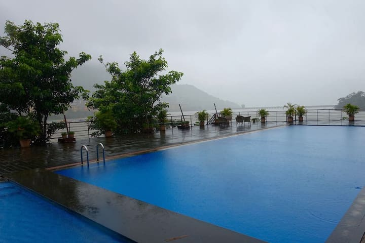 Holiday Leisure Club - Lavasa - Bungalou