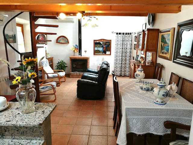 Beautiful countryhouse with a pool in Alaro for 6 - Alaró - Casa