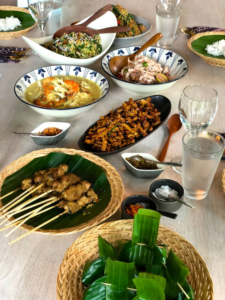 Authentic Balinese Feast!