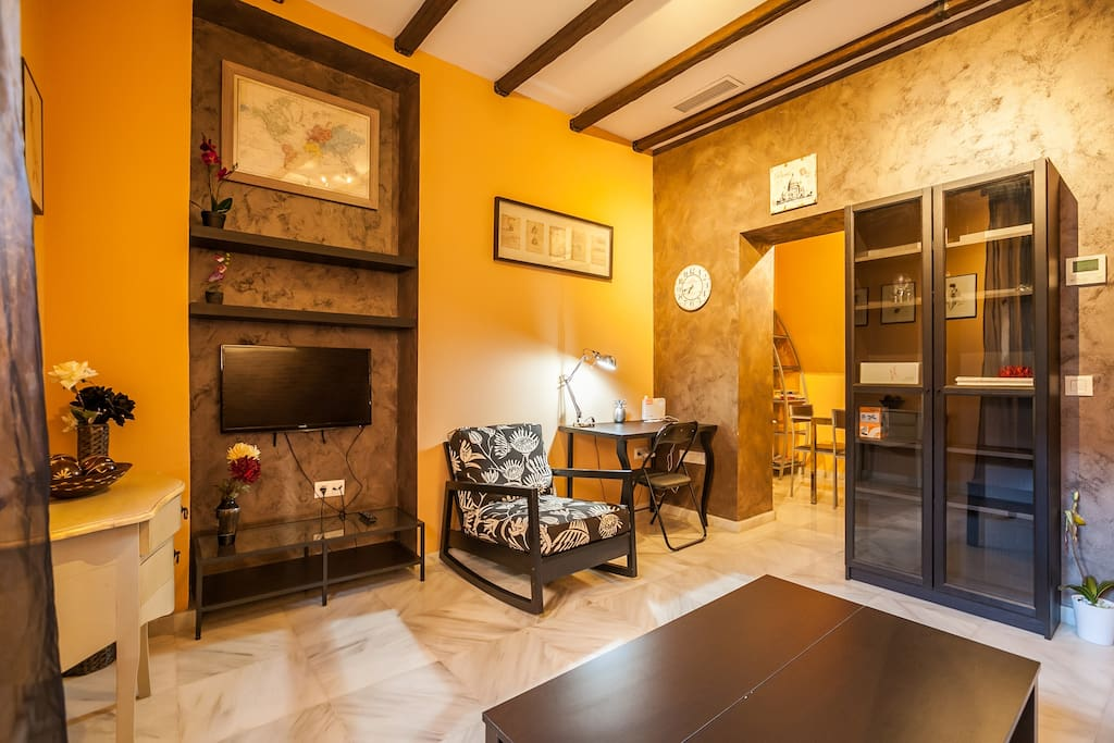 Alfarer a triana wifi apartamentos en alquiler en for Alquiler apartamentos sevilla espana