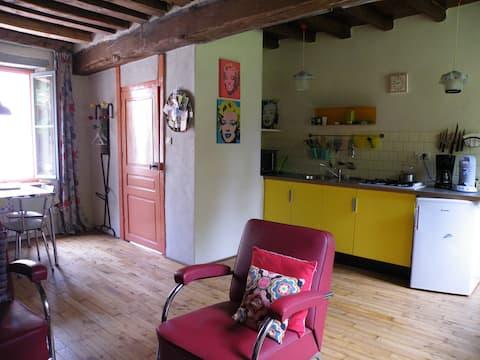 Agonges,maison de village '50'
