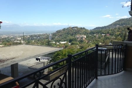Peaceful & Comfie - Just above PV - Port-au-Prince
