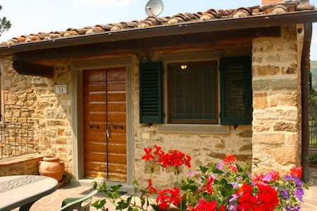 La Montanina, sleeps 4 guests - Santo Stefano