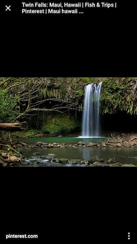 Great location, clean, waterfalls