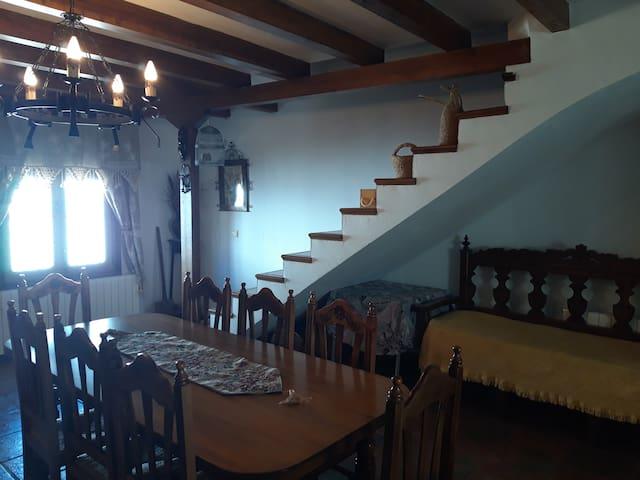 Casa en Valeria (Cuenca). Alojamiento completo