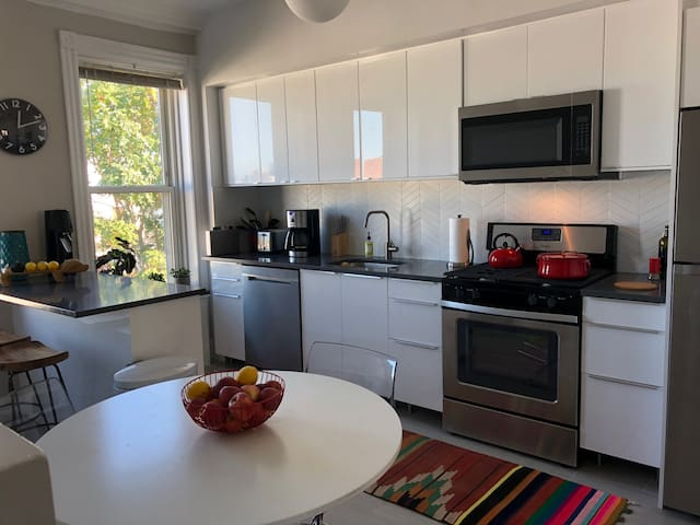 2 bedroom apartment in Sunset Park, Brooklyn