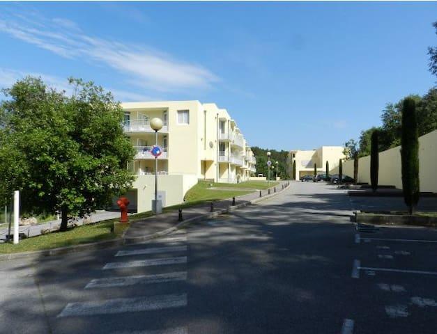 Location studio résidence confort - Valbonne - Daire
