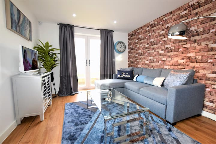 Sleeps 6, 2 bed. Close to Temple Meads railway