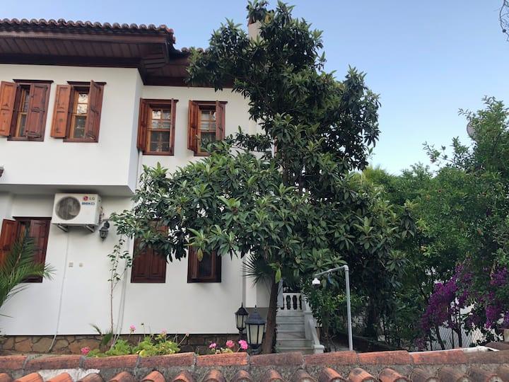 Akyaka Villalar no/2, Denize Yakin, Merkezi, Sakin