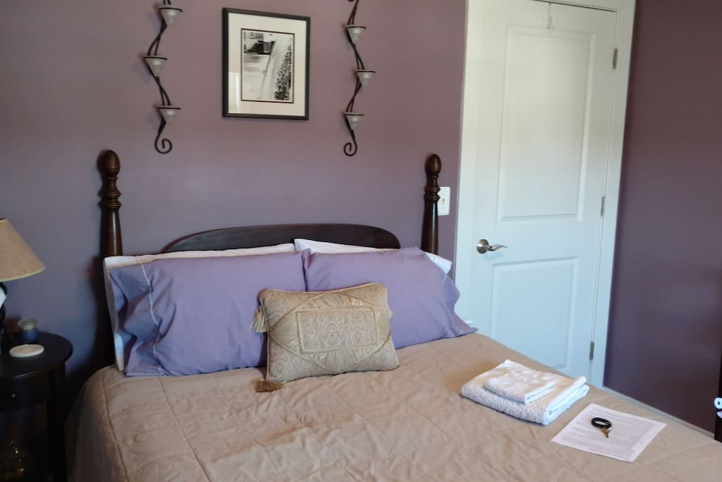 Cozy and convenient in cville case in affitto a for Affitto cabina charlottesville va