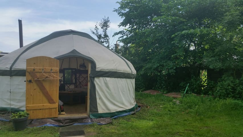Yurt by River Wreake