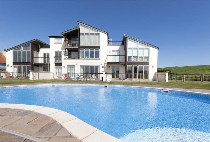 Ocean Front 3 Bedroom Apartment, Thurlestone Sands